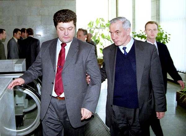 Порошенко провел совещание по ситуации на фронте в Главном ситуационном центре при СНБО - Цензор.НЕТ 5532